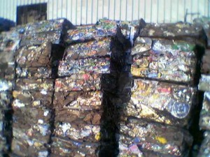 baled lms scrap 300x225 - Cargo types and packing method in containers