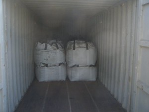 jumbo bags containing minerals 300x225 - Cargo types and packing method in containers