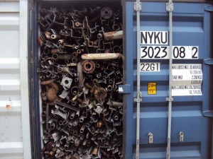 loose metal scrap in container 300x225 - Cargo types and packing method in containers